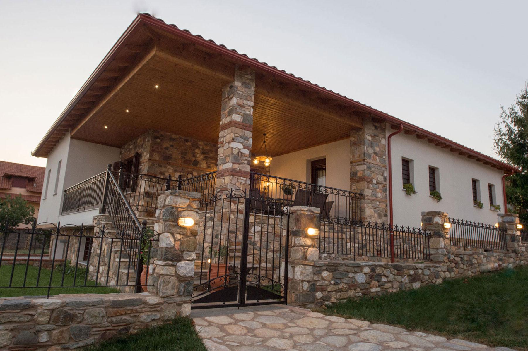 KATOIKIA - ΣΟΧΟΣ - ΘΕΣΣΑΛΟΝΙΚΗ HOME - SOHOS - THESSALONIKI